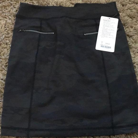 lululemon athletica Dresses & Skirts - Lululemon Rocket Skirt